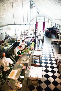 Restaurant De Jong in Rotterdam. Cafe Bar, Cafe Bistro, Cafe Shop, Café Restaurant, Restaurant Design, Rotterdam Restaurant, Cafe Interior, Interior And Exterior, Interior Architecture