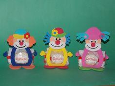 payasitos para detalles goma eva Presents For Kids, Fiesta Party, Luigi, Ideas Para, Crafts For Kids, Crafty, Children, Sweet, Gifts
