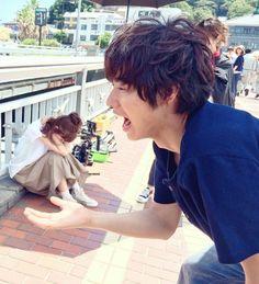 "Kento trys to eat ""napping Mirei"".  photo which Kento's hand is deplaced a bit by Shoei  Mirei Kiritani x Kento Yamazaki, J drama ""Sukina hito ga iru koto (A girl & 3 sweethearts)"""