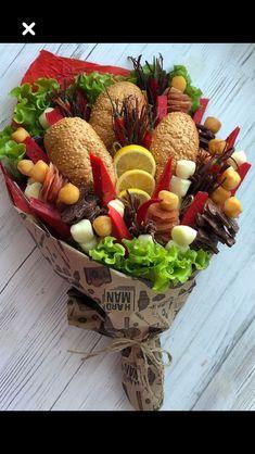 Fruit Gifts, Food Gifts, Edible Arrangements, Flower Arrangements, Veggie Display, Food Bouquet, Corporate Gift Baskets, Fruit Juice Recipes, Edible Bouquets