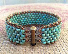 Peyote Stitch Tsjechische armband ~ kleurrijke Turquoise kralen manchet ~ Bohomian land rustieke dagelijks Fashion ~ Peyote Chic door land chique Charms