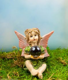 Spring Fairy to enchant your mini fairy gardens.