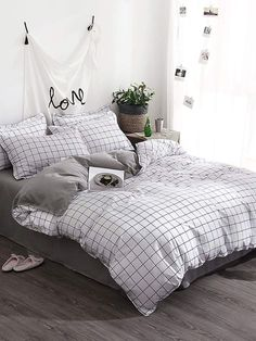 Bed Linen And Curtain Sets Bed Sheets Online, Cheap Bed Sheets, Cute Bed Sheets, Black Bed Sheets, Cotton Bedding Sets, Comforter Sets, Lit Simple, Black Bed Linen, Bedclothes