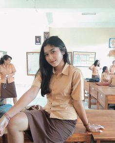 Cute Asian Girls, Beautiful Asian Girls, Cute Girls, Arab Girls Hijab, Girl Hijab, School Girl Outfit, Girl Outfits, Dd Girls, Burmese Girls