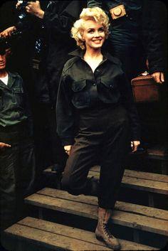 nina-ballerina:    vintagegal:    Marilyn Monroe inKorea , 1954    her hair in this picture >