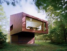 Private Library and Writing Studio is a retreat which resembled a tree house. Designed by Andrew Berman Architect.
