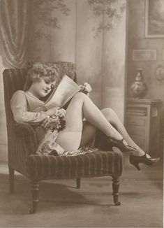 1920s French postcard.