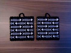 Fiskben Crochet Home, Knit Crochet, Knit Dishcloth, Knitting Charts, Saint George, Mosaic Patterns, Textured Background, Pot Holders, Beads