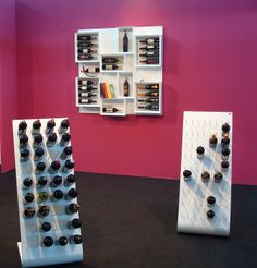 #Portabottiglie in legno Esigo 5 - Esigo 4 nella versione total white. --- Wooden #winerack Esigo 5 - Esigo 4 in the total white version.