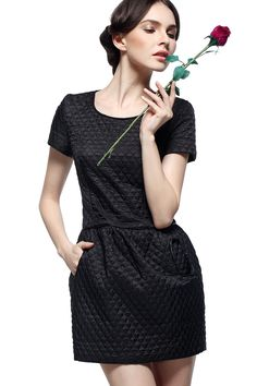 Black Short Sleeves Two Pockets Quilted Tulip Dress