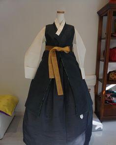 いいね!82件、コメント2件 ― 풍경한복さん(@sewing_landscape)のInstagramアカウント: 「양면 답호  두가지로 연출할수있는 답호입니다 #한복 #바느질풍경 #sewinglandscape #김복희 #hanbok #dress」