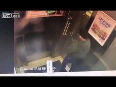 EGY IGAZI HÜLYE GYEREK! Naughty boy pisses on elevator electronics