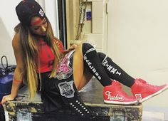 THE SNEAKER ADDICT: WWE Diva Champion Nikki Bella Custom Nike Dunk's (...