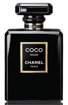 MODELO DE MUJER - PERFUMES Chanel Coco Noir