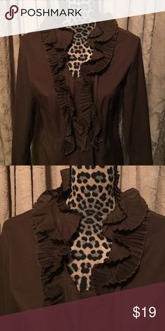 Brown ruffled collar XL by Tracy M Tracy M Brown ruffled collar ... long sleeve perfect with pants or skirt ❤️ Tracy M Tops Button Down Shirts