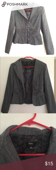Grey blazer. Size XS Grey blazer in a size XS. Has a nice design to it.               Feel free to make an offer. :) Mossimo Supply Co Jackets & Coats Blazers