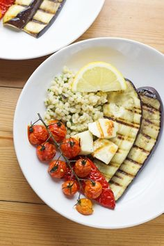 Summer dinner is here with this griddled halloumi served over herby pearl barley. Roasted veg helps to make this a really healthy and delicious meal. Vegetarian Dinners, Vegetarian Recipes Easy, Real Food Recipes, Healthy Recipes, Hallumi Recipes, Delicious Recipes, Easy Weeknight Meals, Easy Healthy Dinners, Easy Dinners