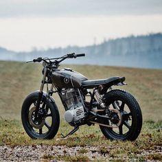 German redesign of the Japanese single-cylinder king. 1980 Yamaha SR500 from Schnaitheim-based Scramblers Motorcycles. Tom Ziora #yamaha #sr500 #singlecylinder #tracker #bratstyle #brattracker #streettracker #magwheels #dropmoto