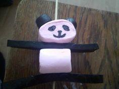 Als je van reuzenpanda's houdt, zoals @rebecca_th maak je uiteraard panda-traktaties. Eindresultaat zie hier . Ik voorspel een hit. Net z...