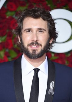 Josh Groban Photos - Singer Josh Groban attends the 70th Annual Tony Awards at The Beacon Theatre on June 12, 2016 in New York City. Performers and presenters wore silver ribbons, a tribute to the Orlando shooting victims. - 2016 Tony Awards - Arrivals