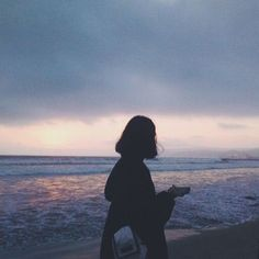 Discovered by Aristi Cthonia. Find images and videos about girl, sad and sea on We Heart It - the app to get lost in what you love. Cute Girl Photo, Girl Photo Poses, Girl Photography Poses, Tumblr Photography, Girl Photos, Blue Aesthetic, Aesthetic Photo, Aesthetic Pictures, Shadow Pictures