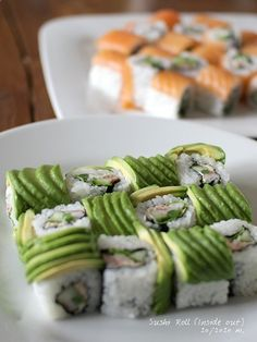 Step-by-Step Recipe: Inside Out Sushi, Avocado Dragon Roll and Smoked Salmon Roll McDonald Sushi Recipes, Asian Recipes, Cooking Recipes, Inside Out Sushi, Comida Kosher, Sushi Comida, My Favorite Food, Favorite Recipes, Salmon Roll