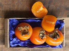 Chegou a época de caqui. Aprenda mais sobre a fruta e como usá-la na cozinha (Foto: Iara Venanzi/Editora Globo)