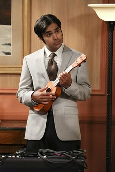 "The Big Bang Theory Photos: Raj in ""The Romance Resonance"" Big Bang Theory, The Big Band Theory, Amy Farrah Fowler, Johnny Galecki, Best Guitar Players, Comedy Tv, Guitar Tips, Film Serie, Season 7"