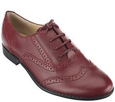 These classic leather oxfords would look great with a blazer.