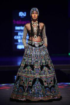 Manish Arora gets standing ovation for bold, blingy collection at ICW(India Couture Week.) Sticking to his flamboyant style,designer Manish Arora wowed. Lehenga Saree Design, Lengha Choli, Lehenga Blouse, Anarkali, Gypsy, Indie, Manish Arora, Manish Malhotra, Indian Couture