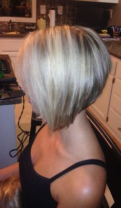 Bob haircuts are perfect for those who have fine hair, just add layers will make the hair appear thicker look. There are many different types of bob haircuts for fine hair. They combine bob haircut… Angled Bob Haircuts, Stacked Bob Hairstyles, Bob Hairstyles For Fine Hair, Medium Hairstyles, Model Hairstyles, Wedding Hairstyles, Gray Hairstyles, Pixie Haircuts, Celebrity Hairstyles