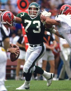 A sixth-round pick in the 1977 draft, Joe Klecko became the only player in NFL history to earn Pro Bowl honors at three different positions. The Jets' rugged front man was also named an All-Pro twice over his NFL career. Nfl Football Players, Football Memes, Sport Football, Football Stuff, School Football, Sports Illustrated, Sports Challenge, Nfl Uniforms, New York Jets Football