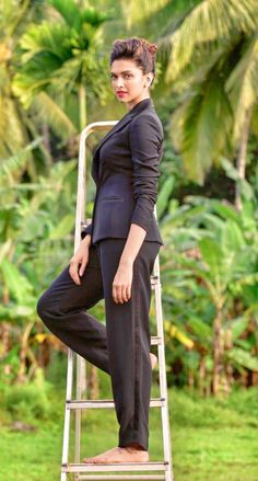 Deepika Padukone photoshoot for India Today Bollywood Photos, Bollywood Fashion, Beautiful Bollywood Actress, Beautiful Actresses, Indian Celebrities, Bollywood Celebrities, Indian Film Actress, Indian Actresses, Formal Smart Casual