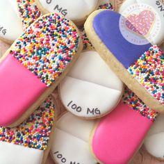 Get well cookies Nursing Graduation Cakes, Nurse Grad Parties, Graduation Cookies, Graduation Party Decor, Pharmacy Cake, Pharmacy Gifts, Fancy Cookies, Iced Cookies, Sugar Cookies