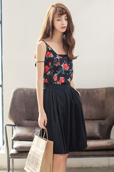 floral blouse. #summer outfits.