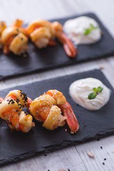 Gamberi in crosta: sfiziosi e saporiti. Perfetti come antipasto.  Shrimps en croute