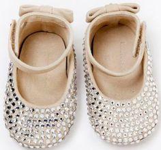 molde de sandalia de bebe em tecido - Pesquisa Google                                                                                                                                                     Más