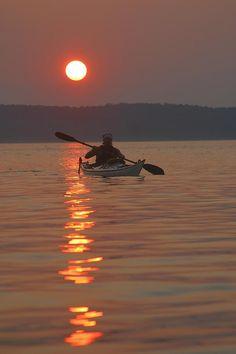 Photographic Print: Seakayaking on the Potomac River at Sunset by Skip Brown : Kayak Fishing Tips, Kayaking Tips, Canoe And Kayak, Best Fishing, Sport Fishing, Canoe Boat, Fishing Trips, Alaska Fishing, Canoe Camping