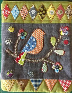 Chambray Purse - 10 x 8 inches Small Quilts, Easy Quilts, Mini Quilts, Wool Applique, Applique Quilts, Embroidery Applique, Embroidery Ideas, Applique Designs, Applique Ideas