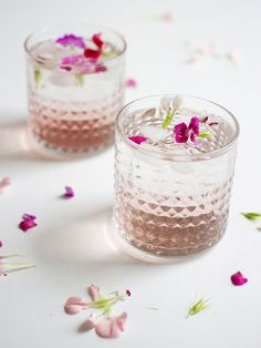 Raspberry & Rose Cocktails. - ghostparties