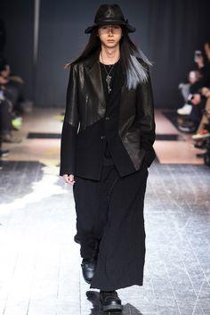 Yohji Yamamoto - Fall 2015 Menswear - Look 22 of 41