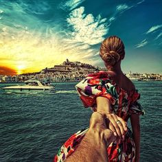 Shared by Be a lady. Find images and videos about travel, ibiza and murad osmann on We Heart It - the app to get lost in what you love. Murad Osmann, Travel Around The World, Around The Worlds, Destinations, Mont Saint Michel, Photo Story, Photo Series, Foto Pose, Countries Of The World