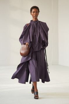 Lemaire Spring 2021 Menswear Collection - Vogue Men Fashion Show, Womens Fashion, Fashion Trends, Vogue Paris, Backstage, Lemaire, Mannequins, Designer Collection, Ready To Wear
