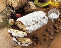 Připravte se na Vánoce se vším všudy! ✅ Upečte tradiční vánoční štolu. ✅ Nebo se inspirujte naším článkem, kde najdete hned 8 různých receptů. ✅ Camembert Cheese, Dairy, Food, Essen, Meals, Yemek, Eten