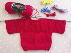 Baby Girl Cardigans, Baby Sweaters, Crochet Baby, Knit Crochet, Knit Baby Dress, Knitting For Beginners, Baby Knitting Patterns, Knitting Projects, Diy Clothes