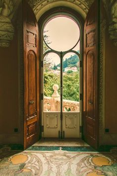 Ana Rosa : Photo window wall with a wood shutter covering. Circle top solves many questions. Photo Window, Window Wall, Window View, Interior Windows, Interior And Exterior, Exterior Doors, Day Trips From Lisbon, Villa, Wood Shutters