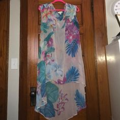 Size 2x coverup Swimsuit coverup size 2x. High low. Forever 21 Swim Coverups