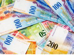 Stanovništvo je 'ubio' franak, a državu američki dolar Podizanje kredita oštetilo je kako građane, tako i državu Srbiju. Jedina je razlika koja valuta je kome naškodila. Mada, ako se uzme da obzir da se državna kasa puni iz džepa stanovnika, onda su i franak i dolar pogodili upravo njih - građane.
