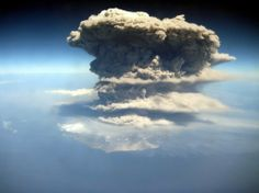 La Soufrière de Montserrat en éruption