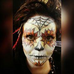 That's me, I did a fall inspired sugarskull on myself #fall #halloween #sugarskull #autumn #herbst #tutorial #fallinspired #motd #leaves #blätter #diadelosmuertos #mexican #tagdertoten #mexico #followmeonfacebook #makeup #makeupartistfenfire